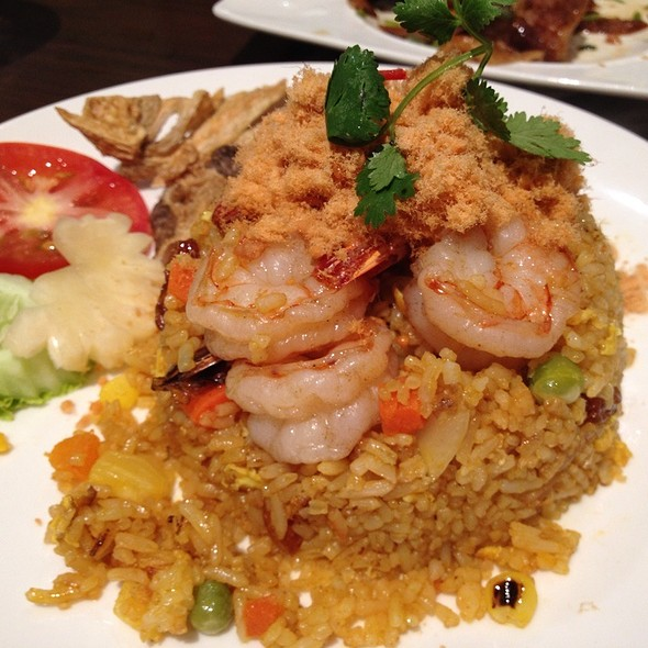 Pineapple Fried Rice With Prawns @ Absolute Thai