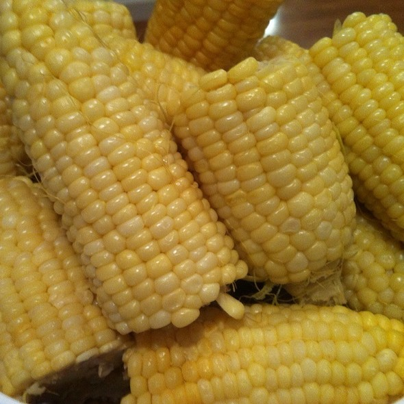 Steamed Corn @ Monterey Vacation Home
