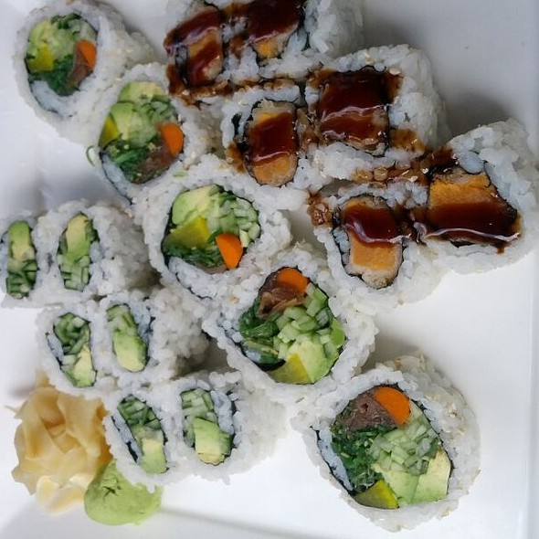 Vegetable Maki Combination