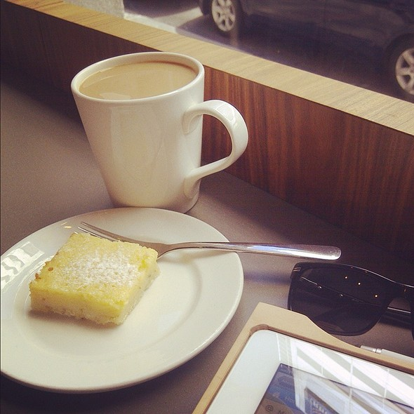 lemon bar @ Bridgehead
