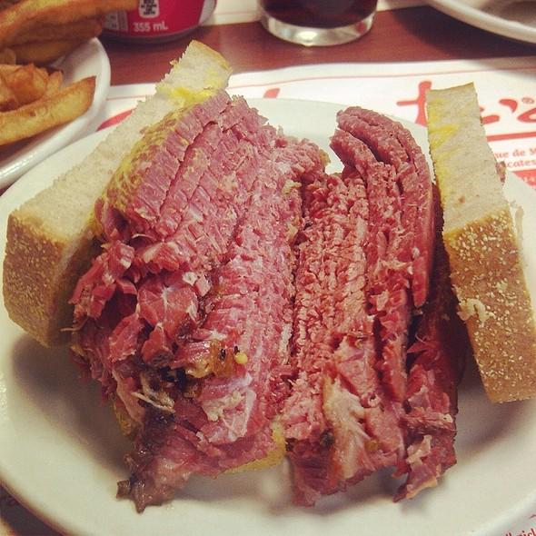 Montreal Smoked Meat Sandwich @ Schwartz's