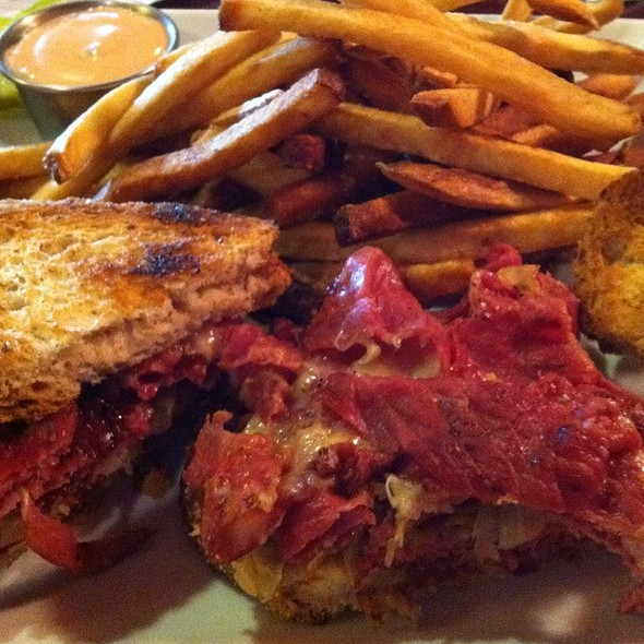 Reuben Sandwich With Fries @ The Elbow Room