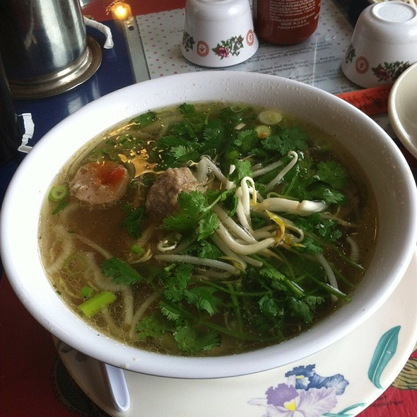 pho bò viên @ Linh's Restaurant