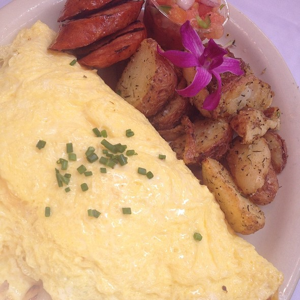Island Omelette With Kalua Pork And Pineapple - Island Lava Java Bistro, Kailua, HI