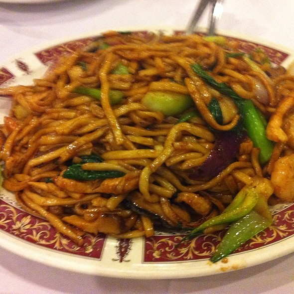 Pan Fried Shanghai Noodles @ Lee Garden Toronto