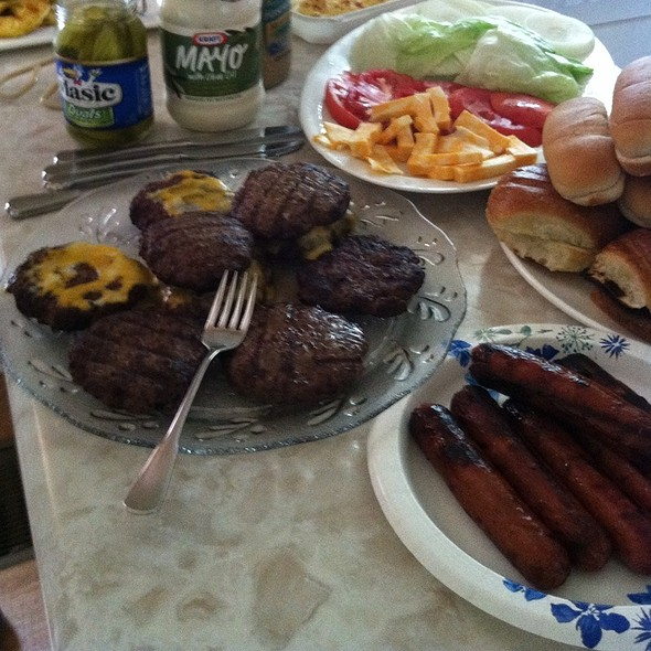 Grilled Hotdogs @ Bobo Home