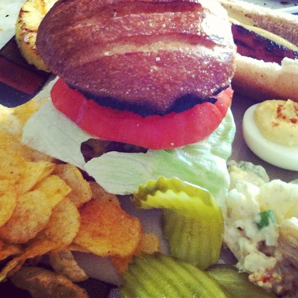 Cheeseburger @ Bobo Home