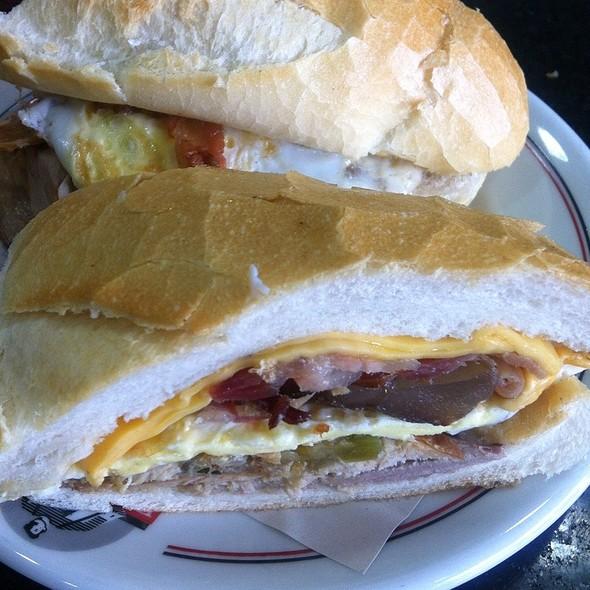 Sanduiche De Pernil @ Bar e Lanches Estadão