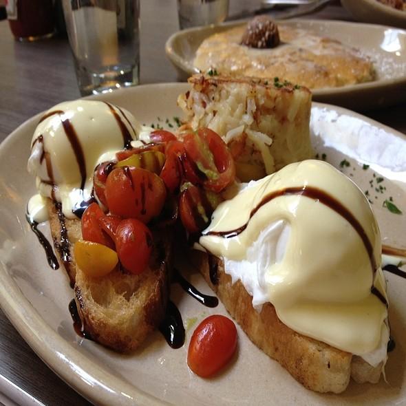 Caprese Benedict @ Snooze AM Eatery
