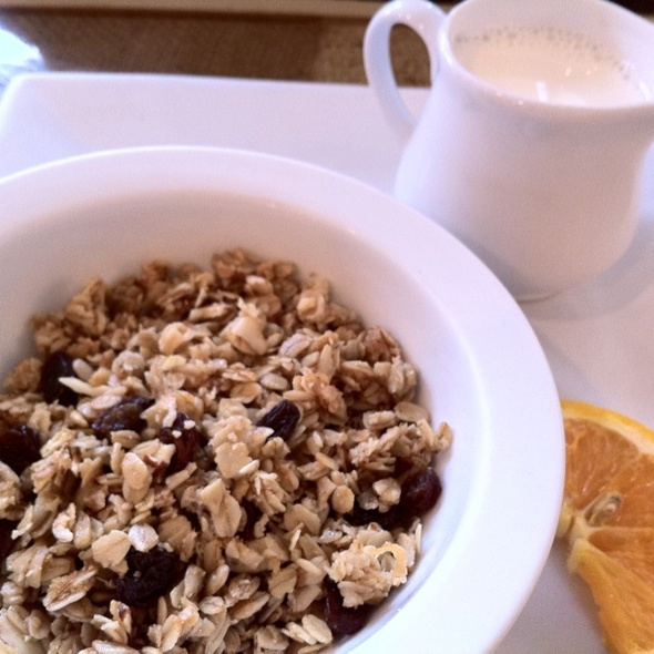 House-made Granola @ rise -n- dine