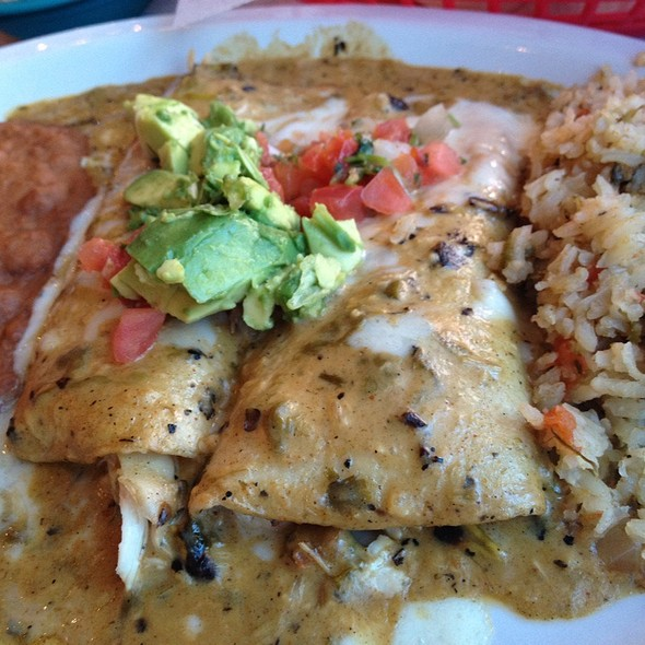 Green Chile Enchiladas @ Chuy's