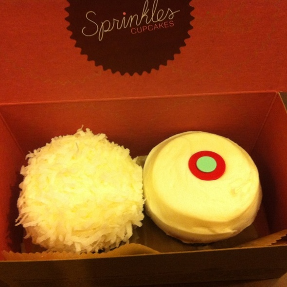 red velvet cupcake and lemon coconut cupcake @ Sprinkles Cupcakes