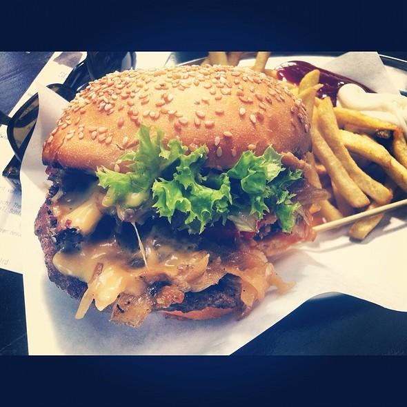 BBQ Burger @ Schiller Burger