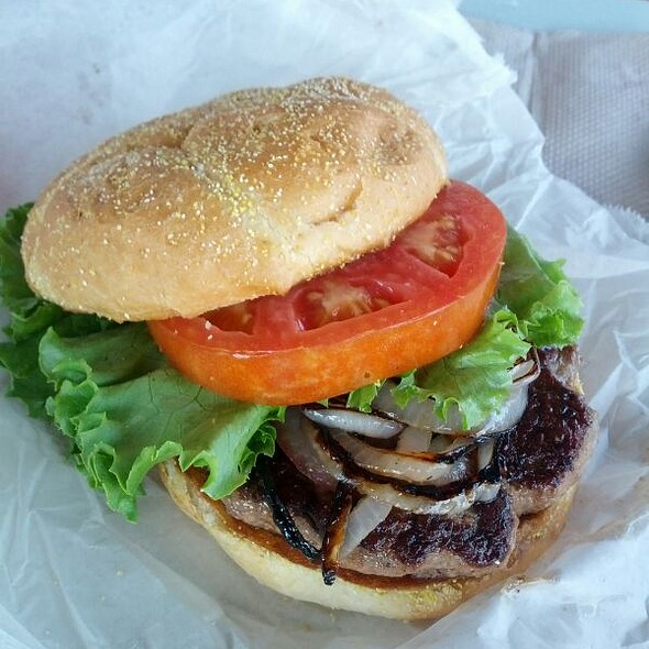 Better Burger @ Kill Devil's Frozen Custard & Beach Fries