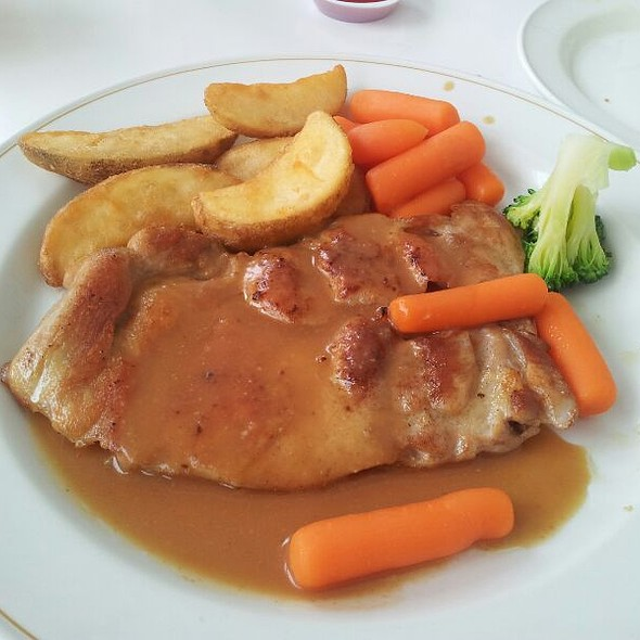 Chicken Chop @ Han's Cafe (National Library)