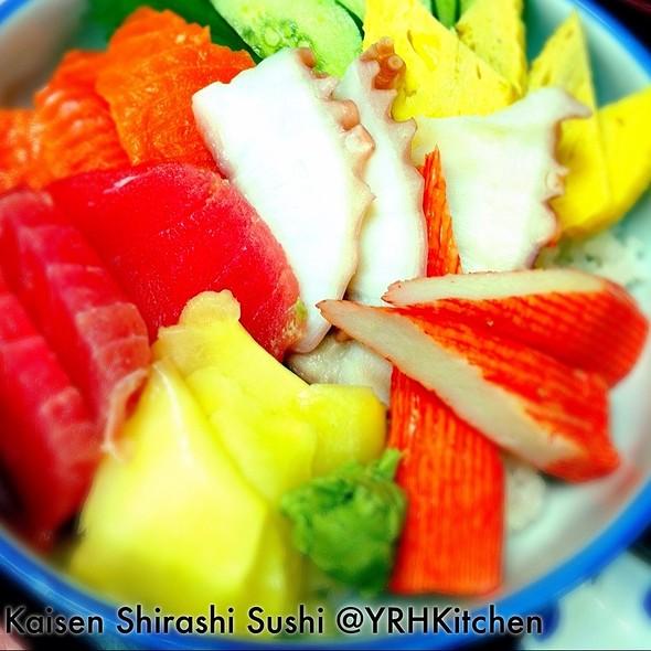 Kaisen Shirashi Sushi