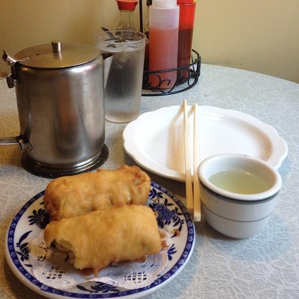 """""""The Original"""" Egg Roll @ Nom Wah Tea Parlor"""