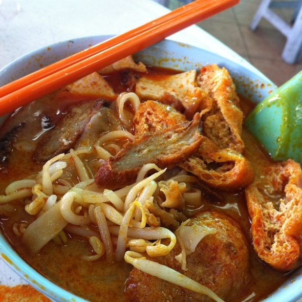 Vegetarian Curry Pan Mee