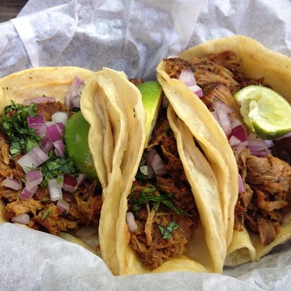 carnitas tacos @ Don't Look Back