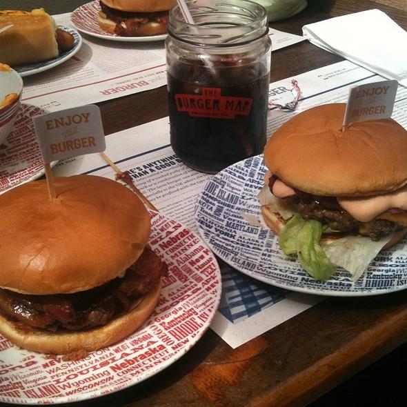 Blue Ring Burger @ The Burger Map