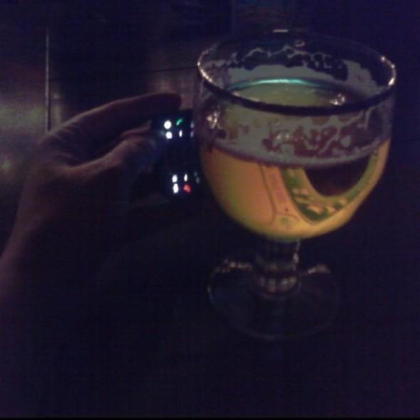 Dogfish Head Beer @ Freakin Frog