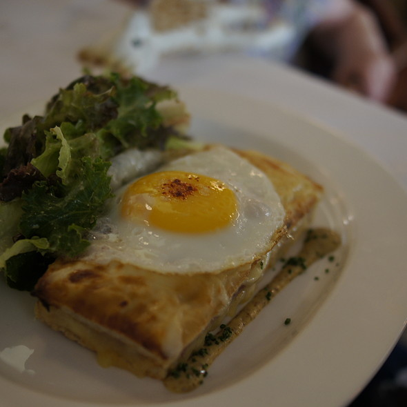 Croque Monsieur avec salade mesclun - The Odeon, New York, NY