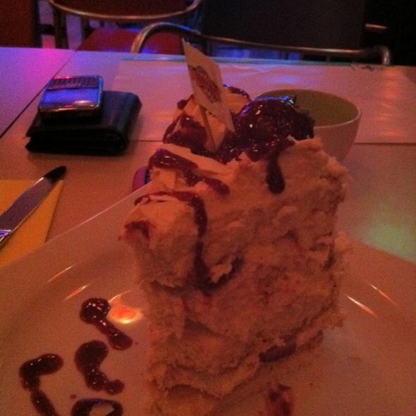 Strawberry Cake @ Kırıntı