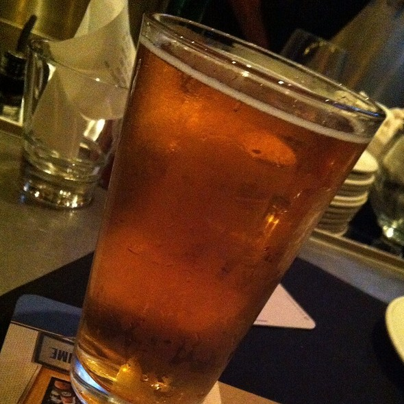 Kona Big Wave Golden Ale @ Yard House Waikiki