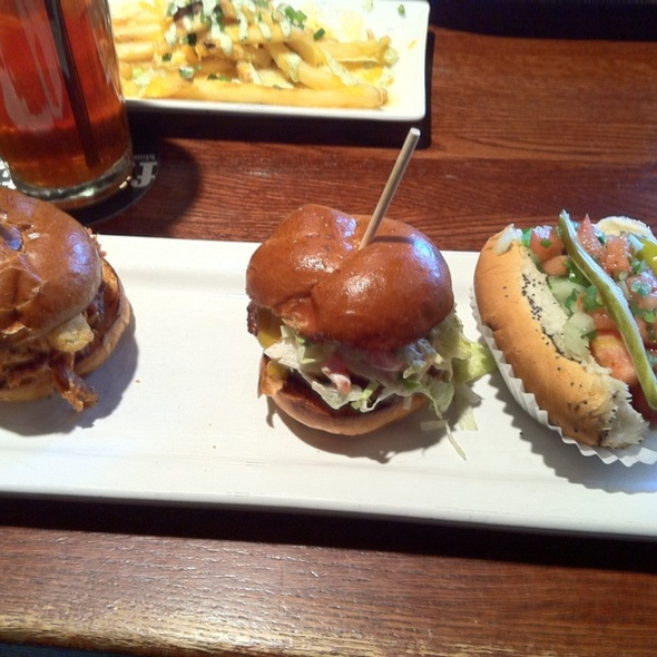 Slider 3 Pack @ Houlihan's