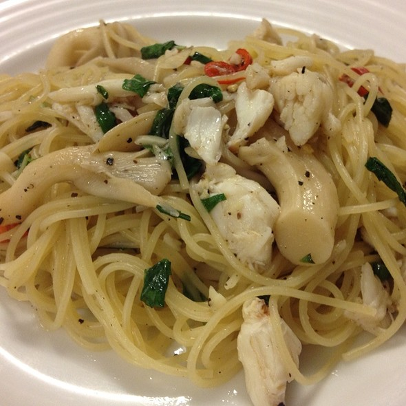 Angel Hair With Crab, Garlic And Chilli