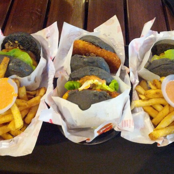 Burger Assort.  @ myBurgerLab