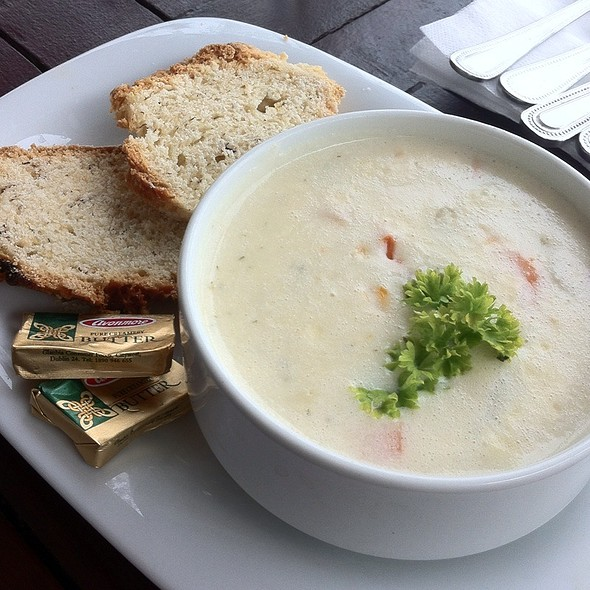Seafood Chowder @ Lakeside Manor Hotel