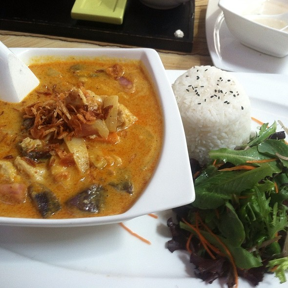 Yellow Curry Chicken @ Blackwood