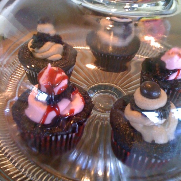Vegan Cupcakes @ Sage Cafe