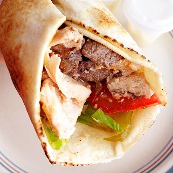 Shawarma mixto con kibbe