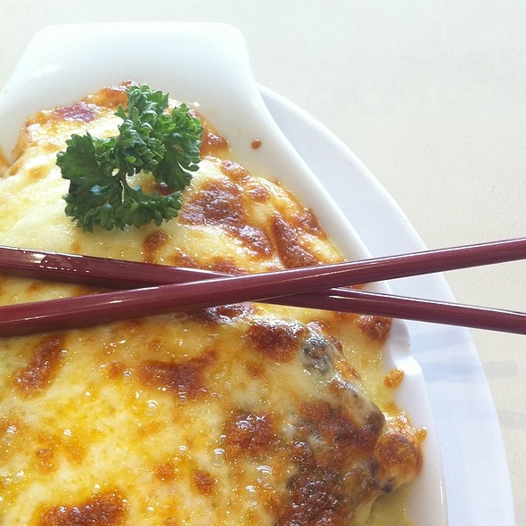 Cheese Baked Rice With Chicken Chop N Mushroom Sauce @ Xin Wang Hongkong Cafe