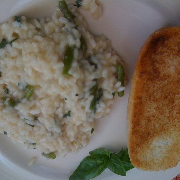 Risotto with Cheese & Asparagus  @ Gástro's Place