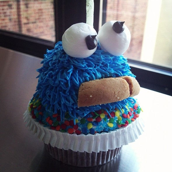 Cookie Monster Cupcake @ Ruthy's Bakery & Cafe'