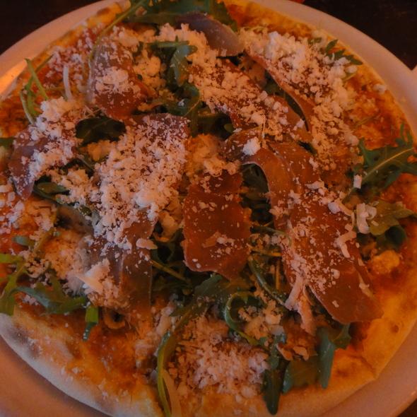 Pizza Rucola @ Escendo