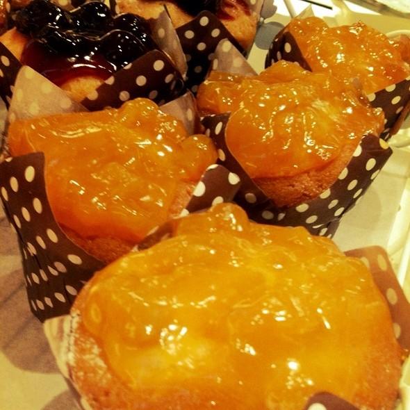 Classic Peach Muffins @ Pastry Culture