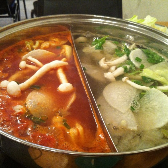 Hot Pot @ Sweet Home Cafe