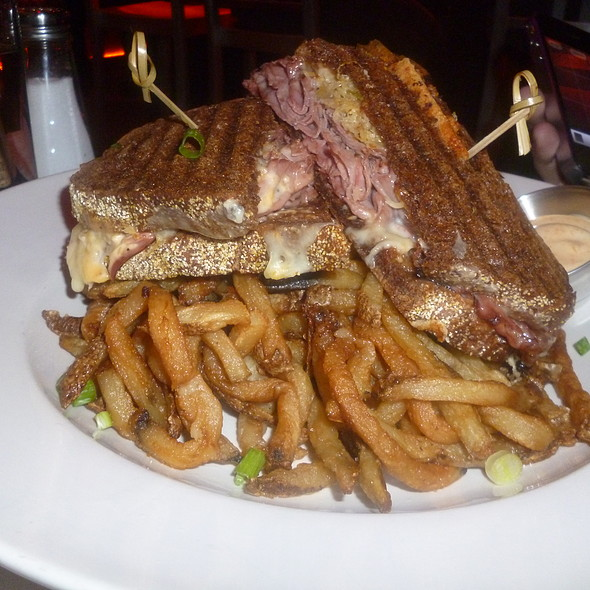 Smoked Meat Sandwich @ JoBlo Restaurant Steakhouse