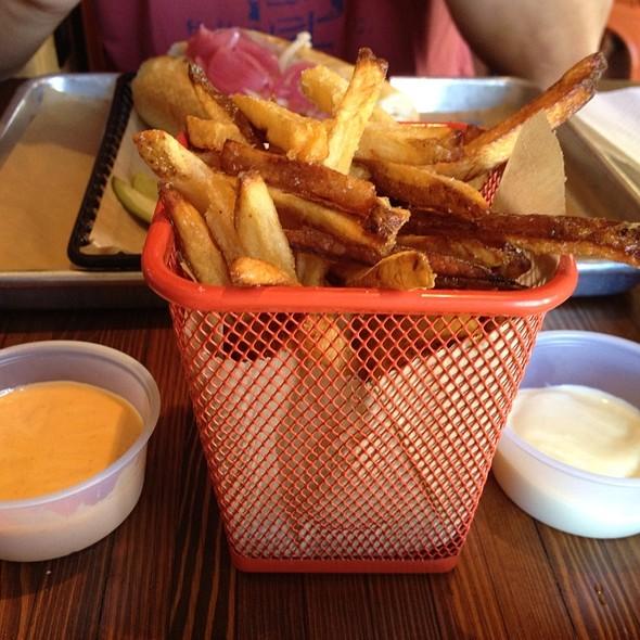 Belgian Fries @ Brat Haüs