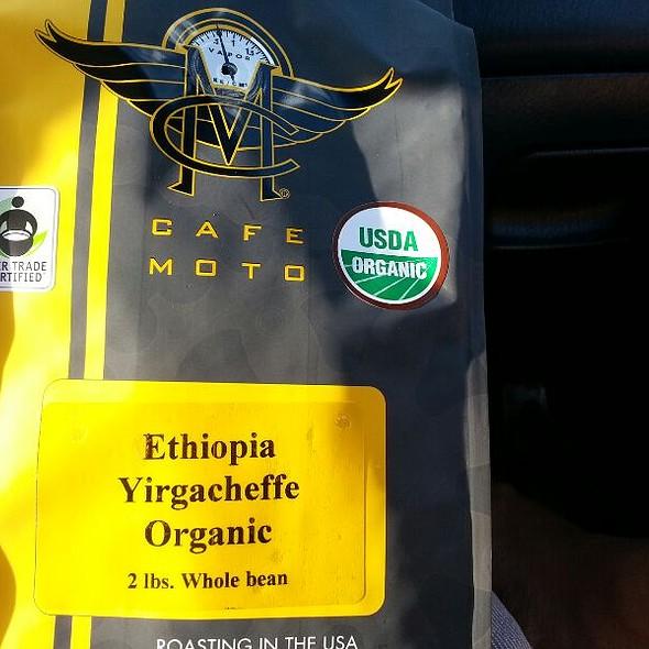 Ethiopian Ygercheffe @ Cafe Moto