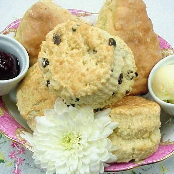 Scone @ Granny McCarthy's Tea Room & Celtic Restaurant