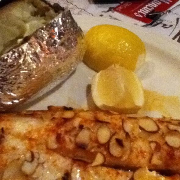 Walleye Dinner @ Mancinis Char House