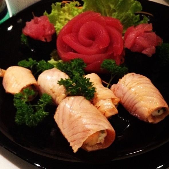Hot Holl Sashimi @ Wa-Sushi