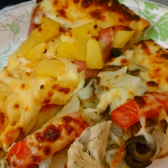 Hawaiian & Garlic Chicken Pizza @ Work