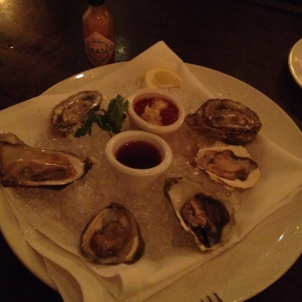Oysters @ Mccormick & Schmick's
