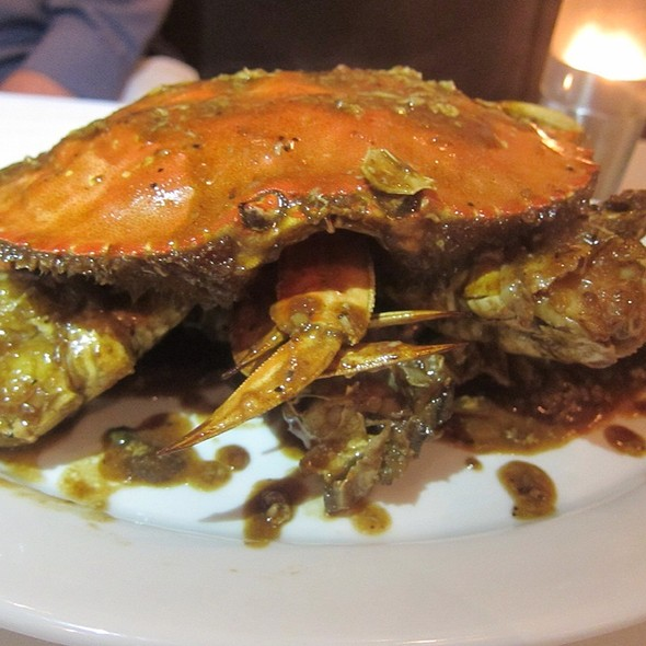 Whole Dungeness Crab in Black Pepper Sauce